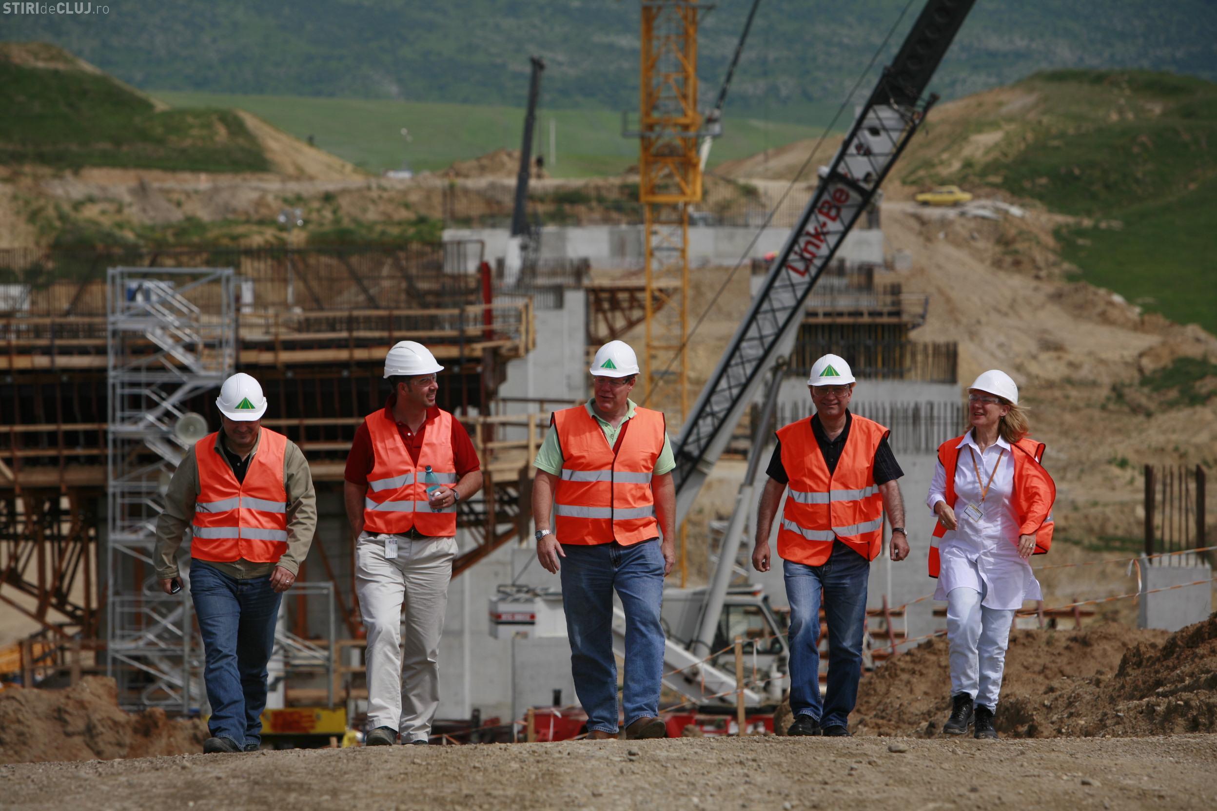 Bechtel va disponibiliza din 5 martie 1.933 de muncitori romani de la autostrada Transilvania
