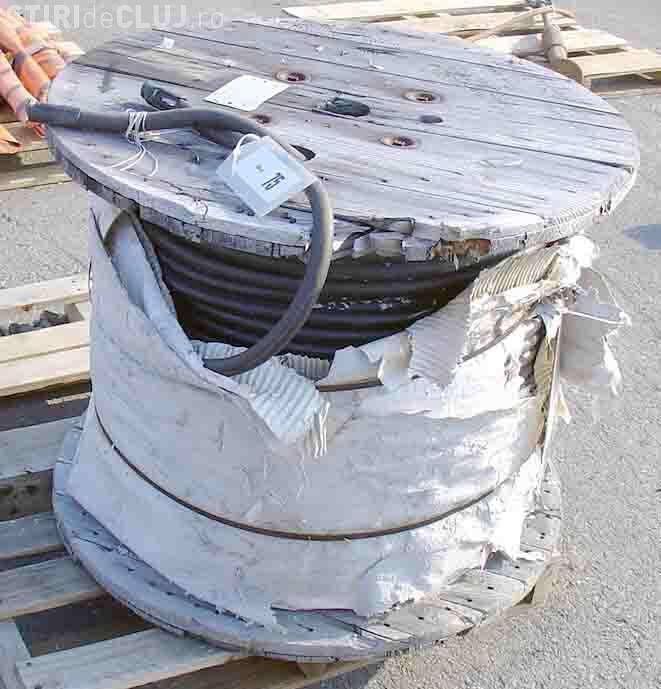 Doi hoti de cablu au fost prinsi de politisti la Gherla