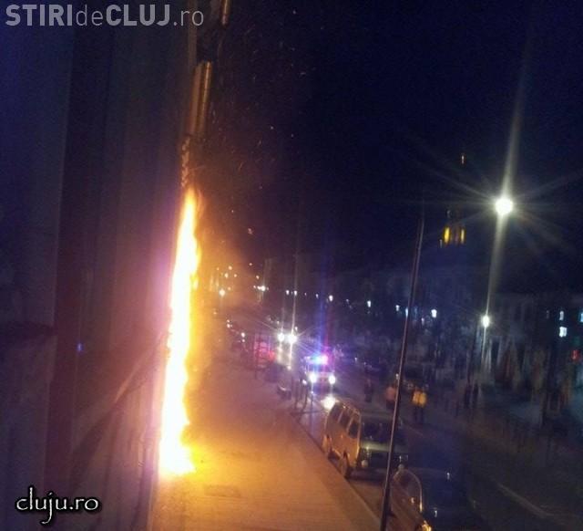 Un magazin din centrul Clujului, incendiat în timpul nopții VIDEO