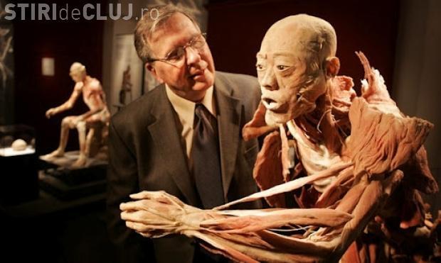 Expoziţie de cadavre umane reale la Iulius Mall Cluj. PROGRAMUL expoziției care a ȘOCAT la Antipa
