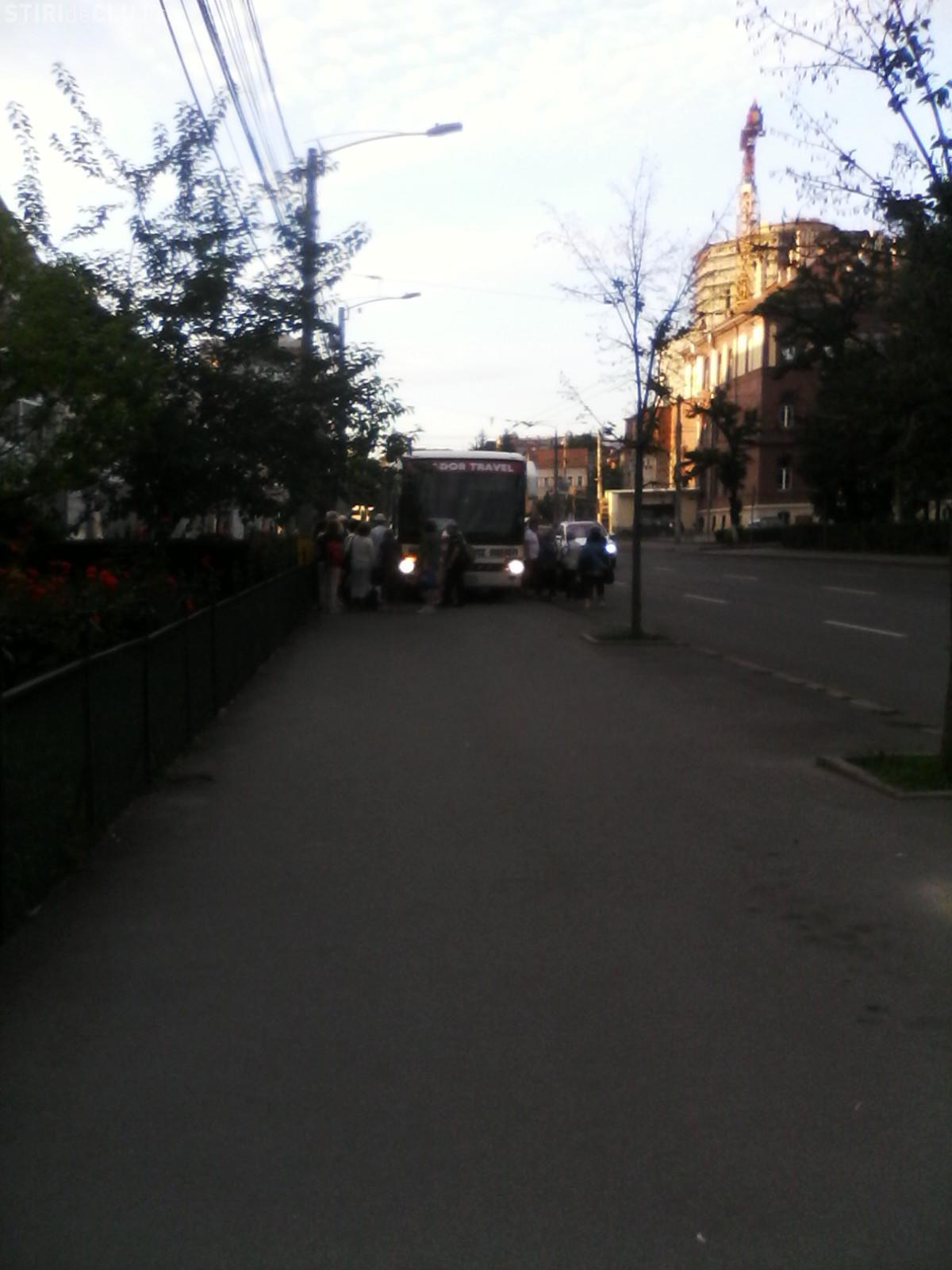 Așa se parchează autocarele la Cluj - FOTO