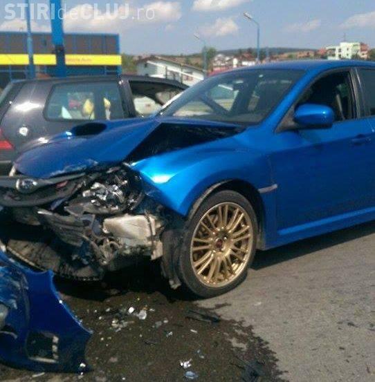 Accident în Baciu lângă Petrom! Trei mașini au fost avariate - FOTO