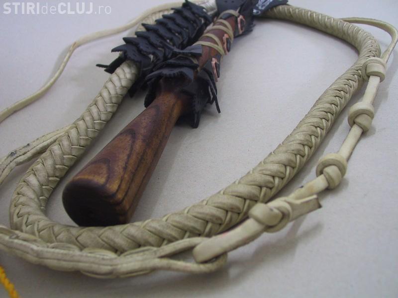 Clujeancă bătută cu biciul de propriul văr, la Ciurila. Totul a pornit de la o datorie de 20 lei