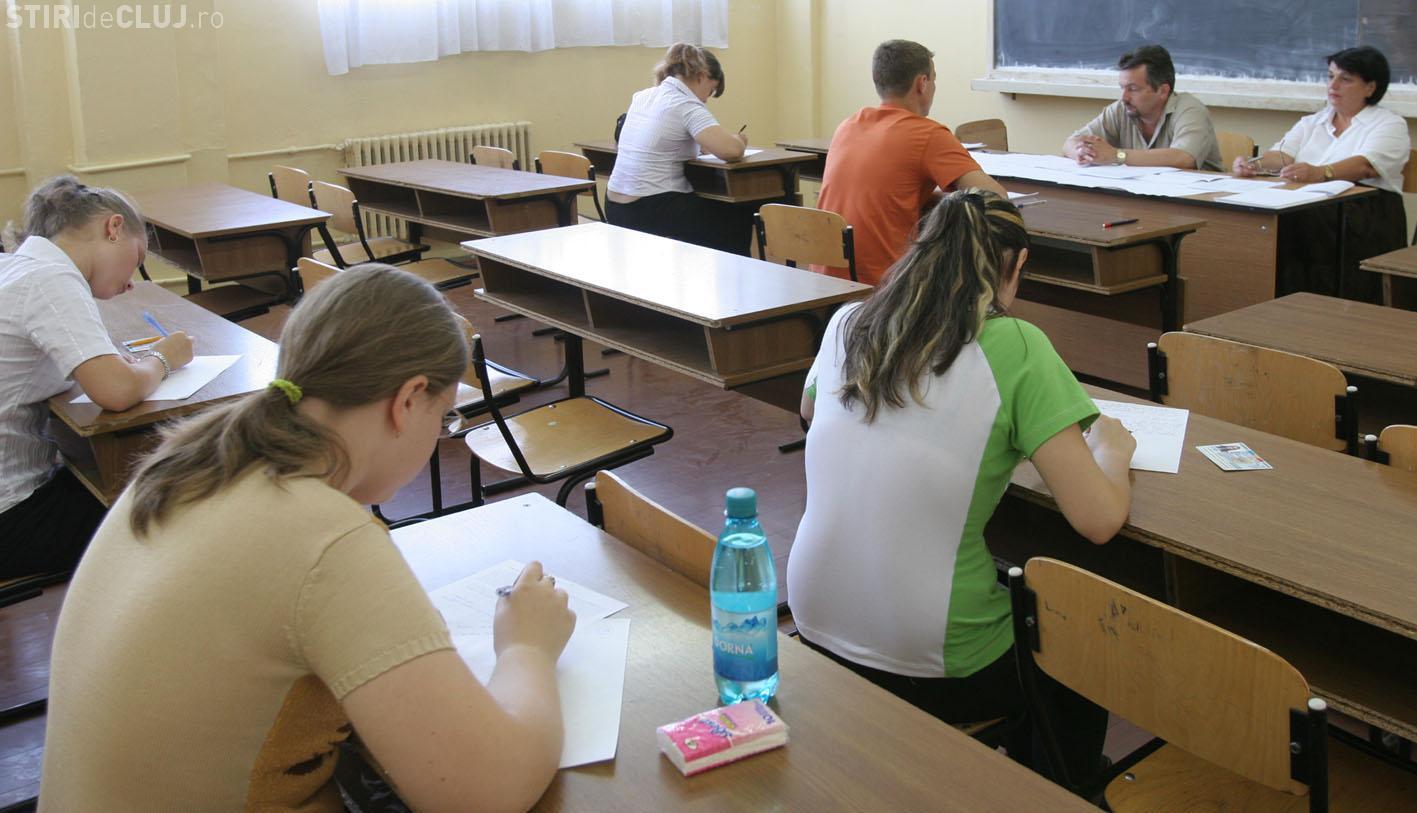 BAC 2015: Aproape 1.200 elevi clujeni s-au încris la sesiunea de toamnă a examenului de bacalaureat. Când se dau probele