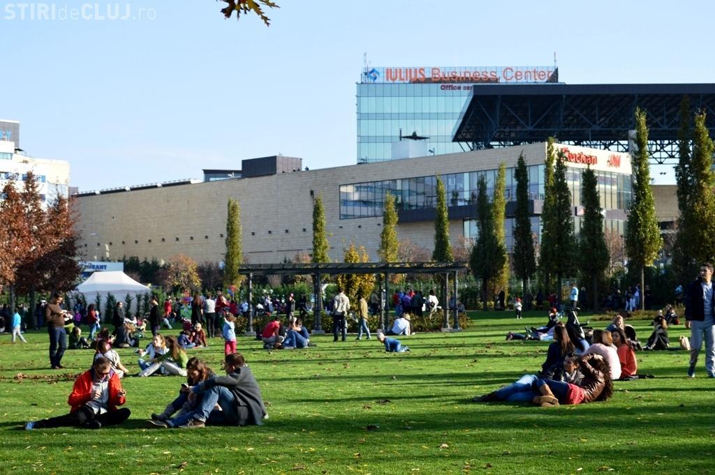 Două seri de cinema în aer liber și picnic sub clar de lună, la Iulius Parc
