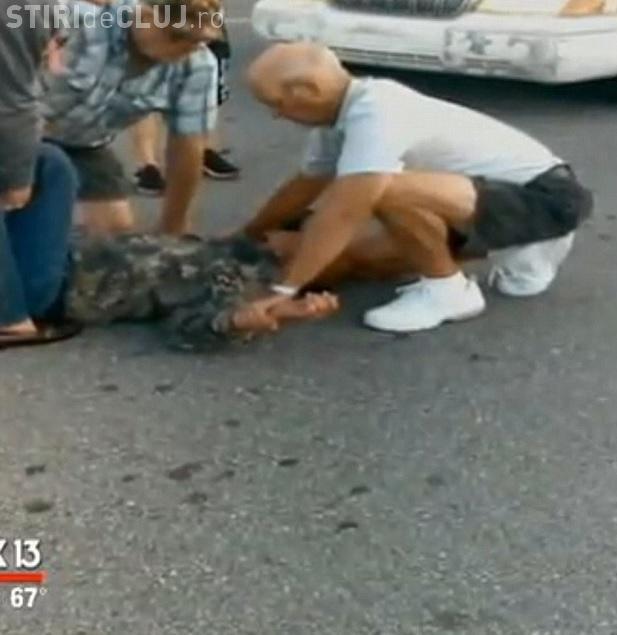 Clujenii dau dovadă de spirit civic! Doi hoți de telefoane au fost reținuți de cetățeni după un furt