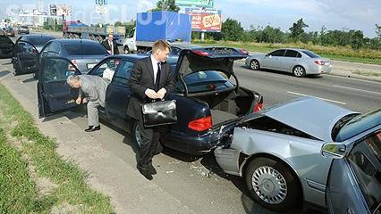 Accident în lanț la Florești. O persoană a grav rănită