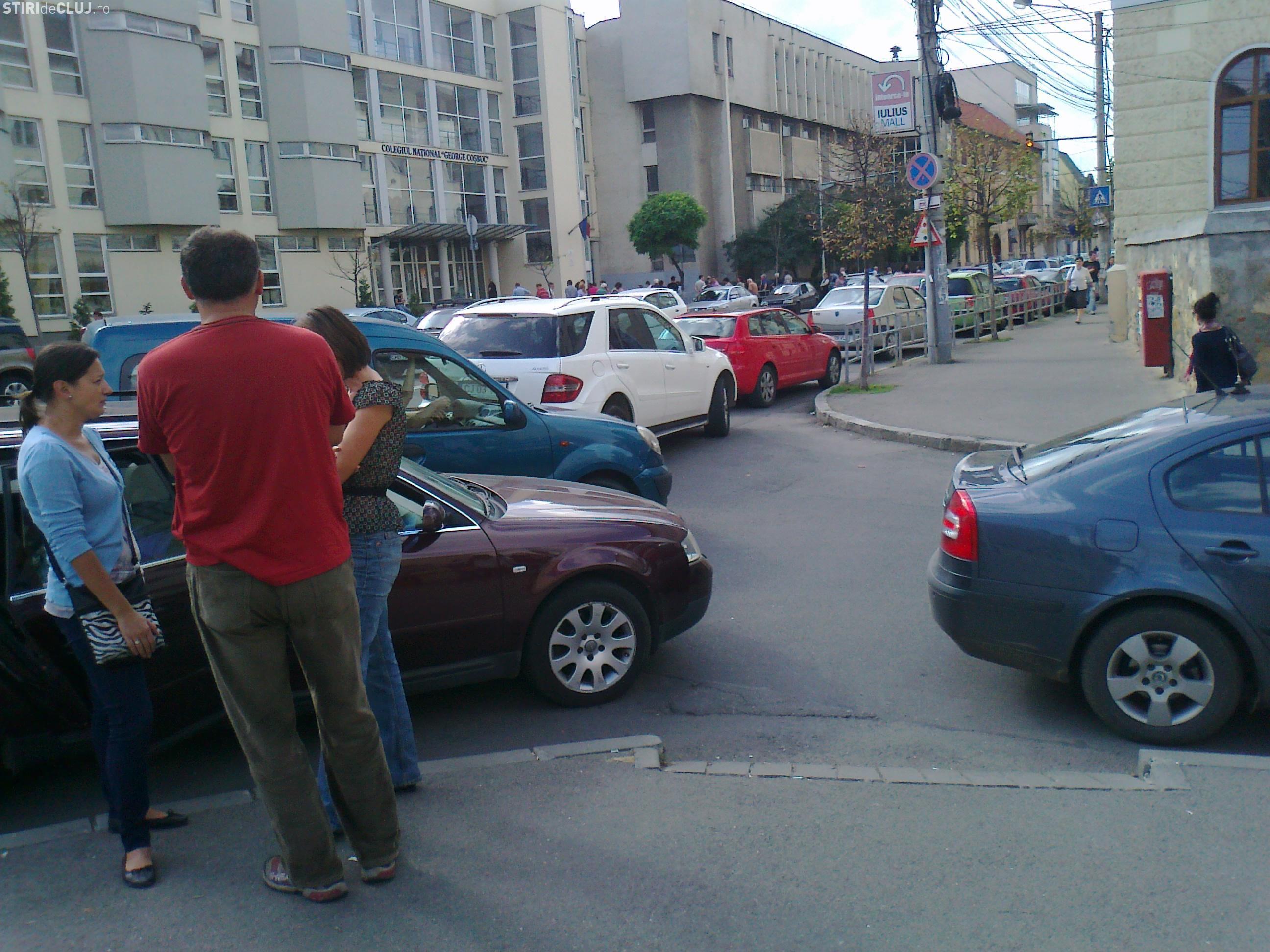 Școlile din centrul Clujului vor avea orar diferențiat. Ambuteiajele apar pe Avram Iancu și Kogălniceau
