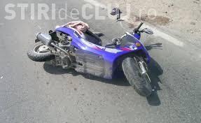 Scuterist de 16 ani, rănit într-un accident pe un drum din Cluj. Nici măcar nu avea permis