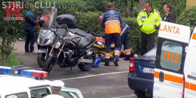 Un scuterist de 80 ani a reușit să se accidenteze chiar pe trotuar, la Gherla. A ajuns la spital VIDEO