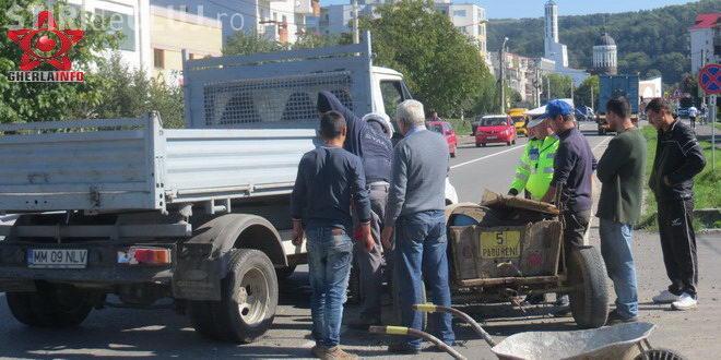 Căruță făcută praf de o autoutilitară la Gherla. În accident a fost implicat și un TIR  VIDEO