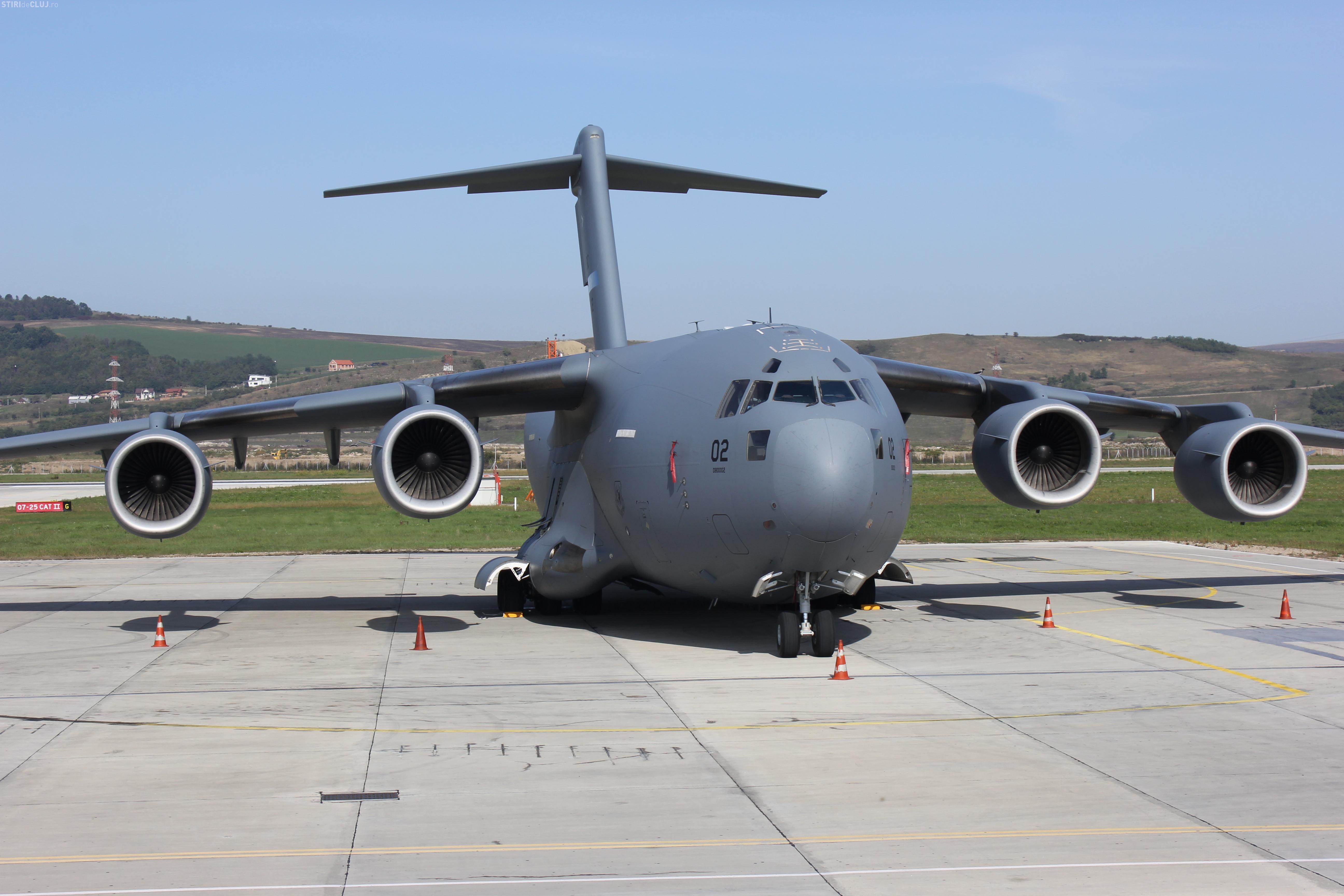 Un avion C17 GIGANTIC a aterizat la Cluj - FOTO