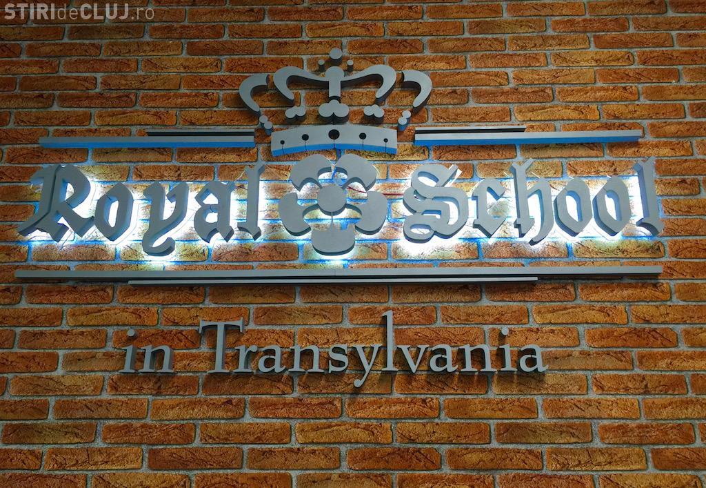 Royal School in Transylvania nu are acreditare, dar începe cursurile: Nu merg la inaugurare. Nu pot să le dau un CEC în alb