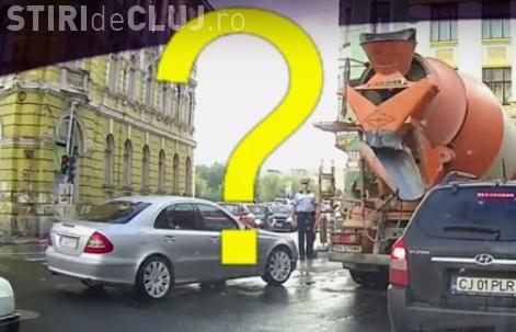 Incident în centrul Clujului! S-a trezit că o betonieră s-a urcat peste el sub ochii polițistului - VIDEO