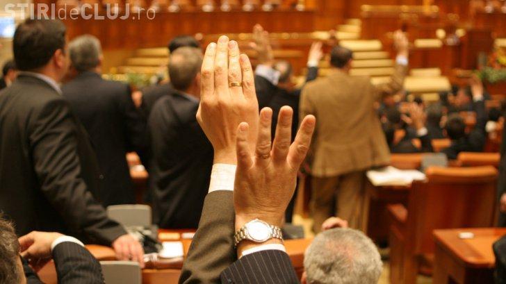 A fost adoptat votul prin corespondență, dar se aplică numai pentru alegerile parlamentare
