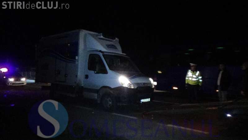 Accident cu trei mașini, la Cuzdrioara. O clujeancă a intrat cu Mercedesul pe contrasens VIDEO