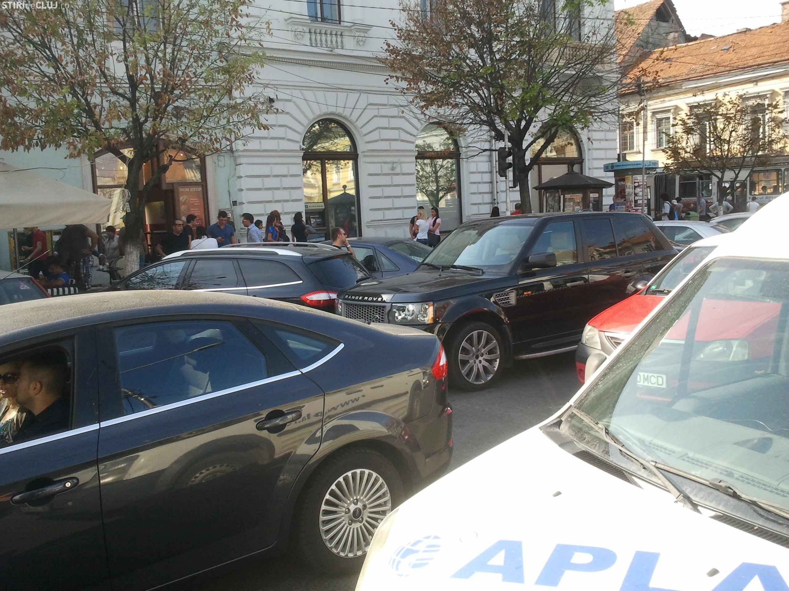Propunere pentru un trafic decent în Cluj-Napoca: TAXA DE CENTRU. Șmecherii de cafenea să plătească