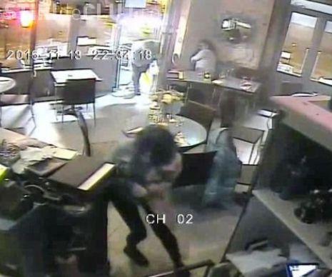 Primele imagini cu ATACUL terorist de la Paris. Un bărbat a tras cu mitraliera în mulțime - VIDEO
