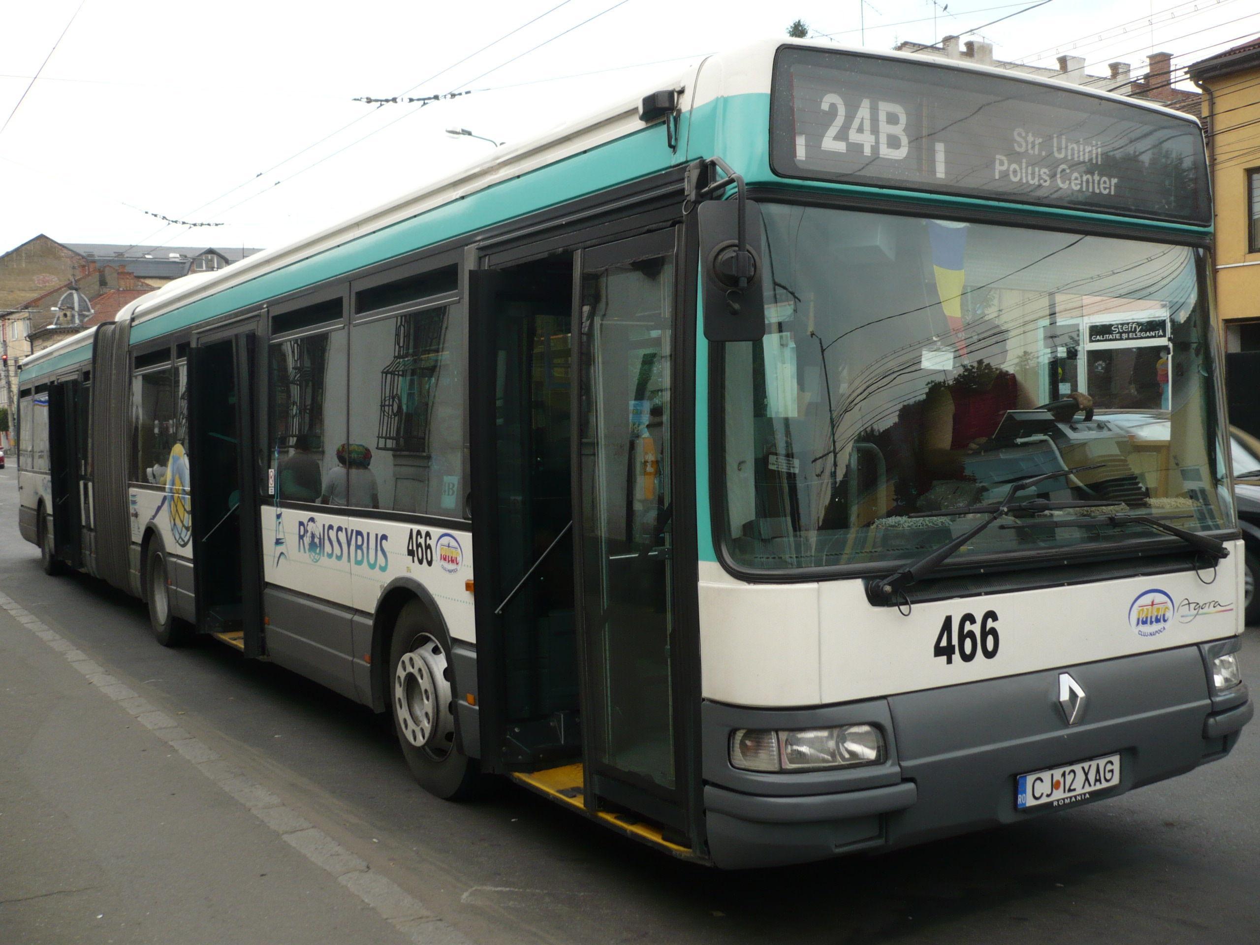 Pățania unui clujean într-un autobuz 24B: Care e diferența între RATUC si Colectiv? Nu se respectă numărul de persoane permise