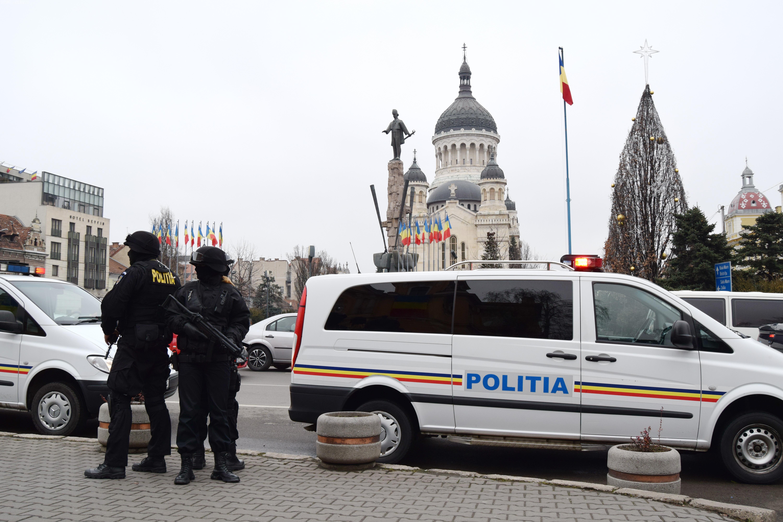 300 de polițiști clujeni sunt pe străzi în noaptea de Revelion. 35.000 de oameni sunt așteptați pe străzi