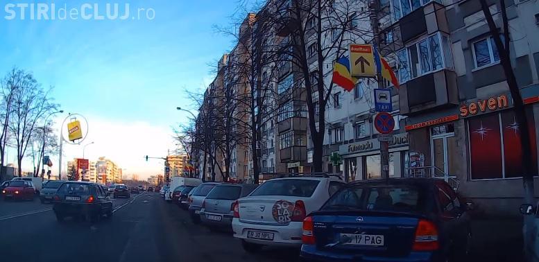 Un taximetrist din Cluj-Napoca cere amendarea celor care parchează în standurile de taxi - VIDEO discuție cu Poliția locală