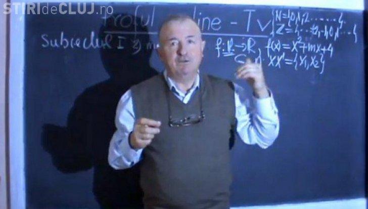 Un profesor a fost dat afară din învățământ pentru că și-a filmat lecțiile și le-a oferit GRATIS pe internet