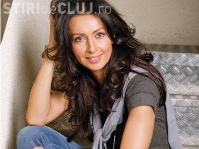 Mihaela Radulescu arată bine în rochie mini. Diva face senzație - FOTO