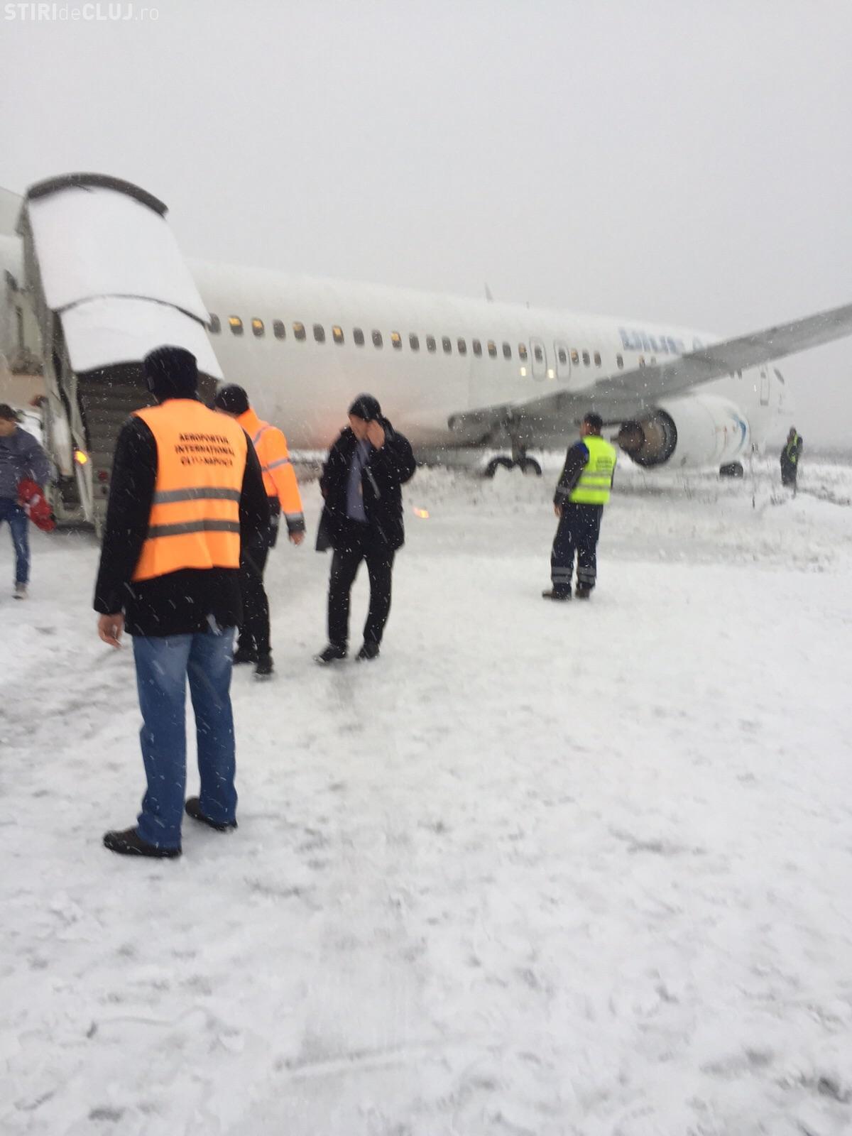 EXCLUSIV! Imagini din avionul Blue Air care a ratat aterizarea la Cluj VIDEO