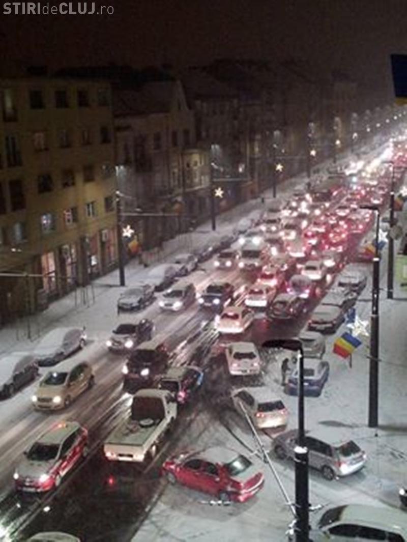 Cum arăta strada Horea, luni seara. Ce spune primarul Emil Boc despre deszăpezire - FOTO