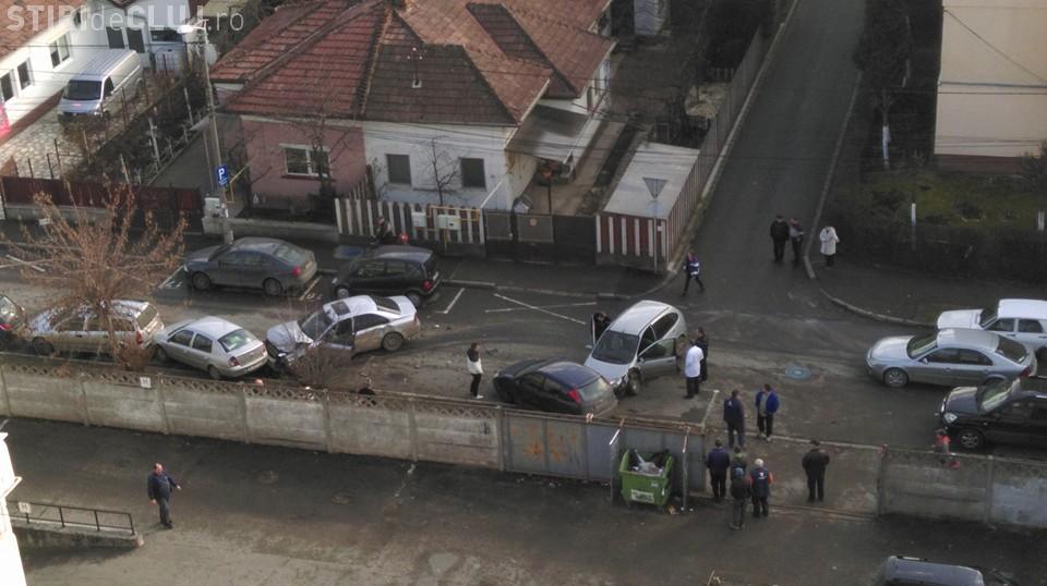 Accident cu două victime și cinci mașini avariate în Mărăști FOTO