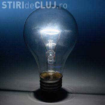 Românii plătesc mai puțin la factura de electricitate, din această lună