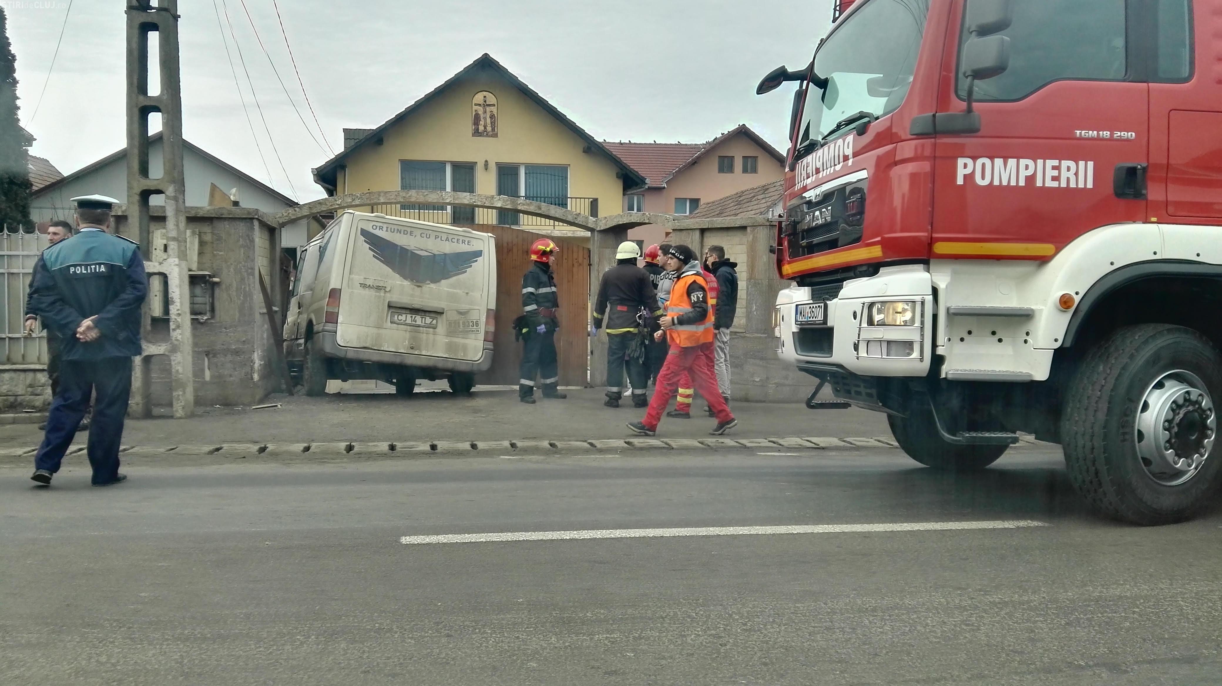 Accident în Florești. O mașină Fan Courier a lovit mai mulți oameni pe trotuar