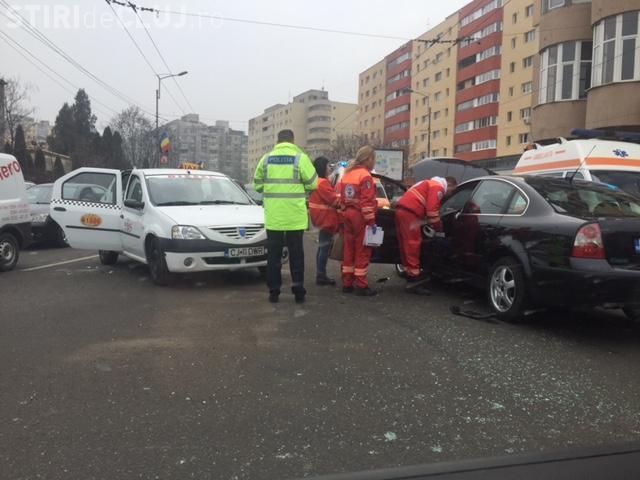 Accident pe strada Fabricii, în Mărăști! Două persoane au fost rănite  - FOTO