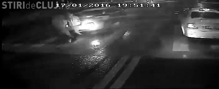 VIDEO - Accident ȘOCANT filmat pe strada Bucium! O șoferiță beată a lovit în plin o mamă și un copil - EXCLUSIV