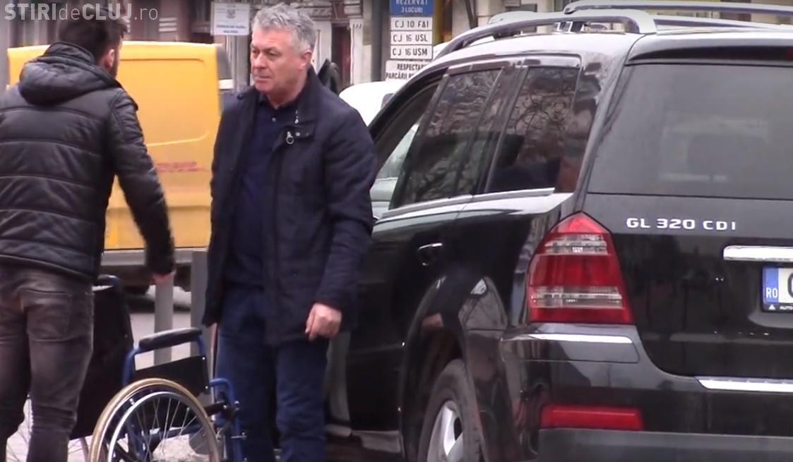 Ce au pățit la Cluj-Napoca cei care parchează pe locul de handicap. Cineva le-a BĂTUT obrazul - VIDEO