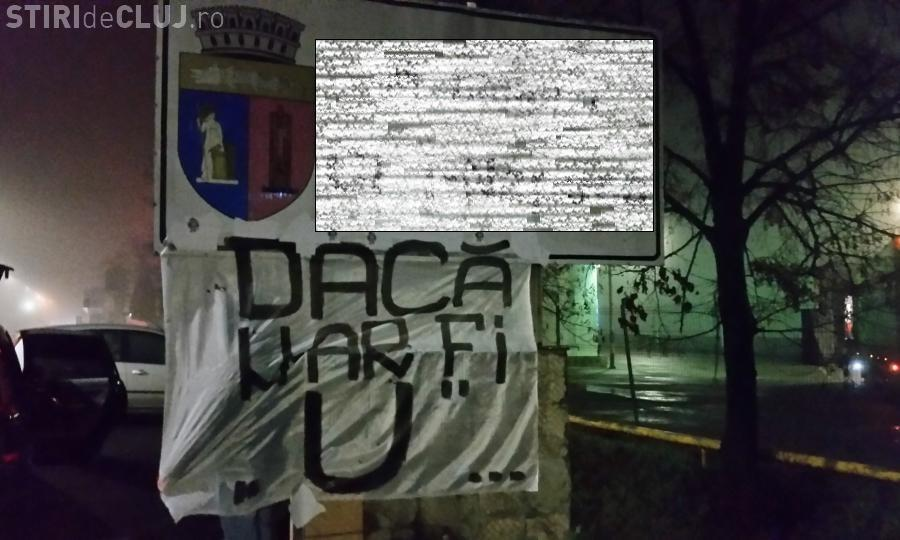 """Suporterii U Cluj au VANDALIZAT indicatoarele de la intrare în oraș: Fara """"U"""", Clujul devine pustiu si fara sens - FOTO"""