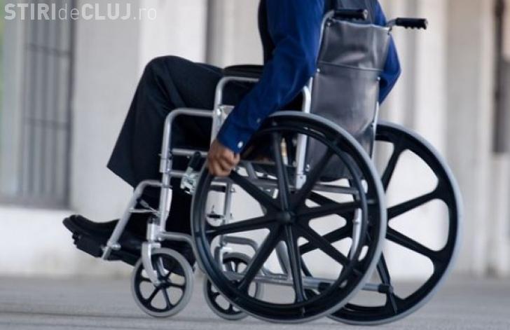 Se schimbă legea pentru persoanele cu handicap. Administrația publică trebuie să integreze persoane cu dizabilități