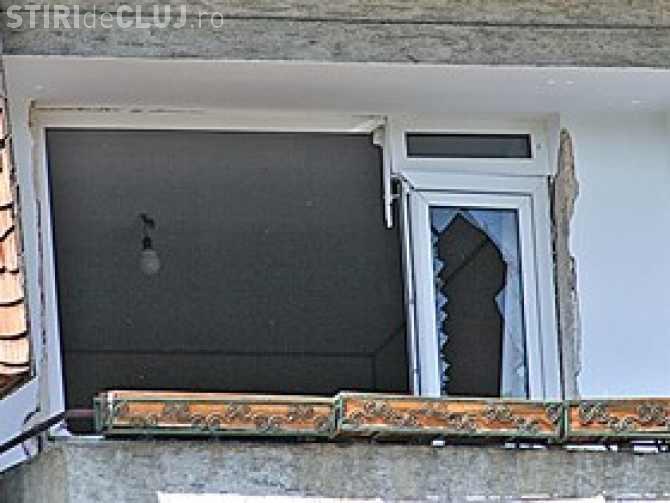 Explozie la un apartament din Mărăști. Au PUȘCAT pereții și o femeie de 76 de ani e rănită VIDEO