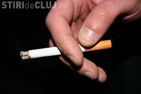 O vedetă atacă legea antifumat a clujencei Aurelia Cristea: Nu trebuie să mă arunci în stradă dacă sunt fumător