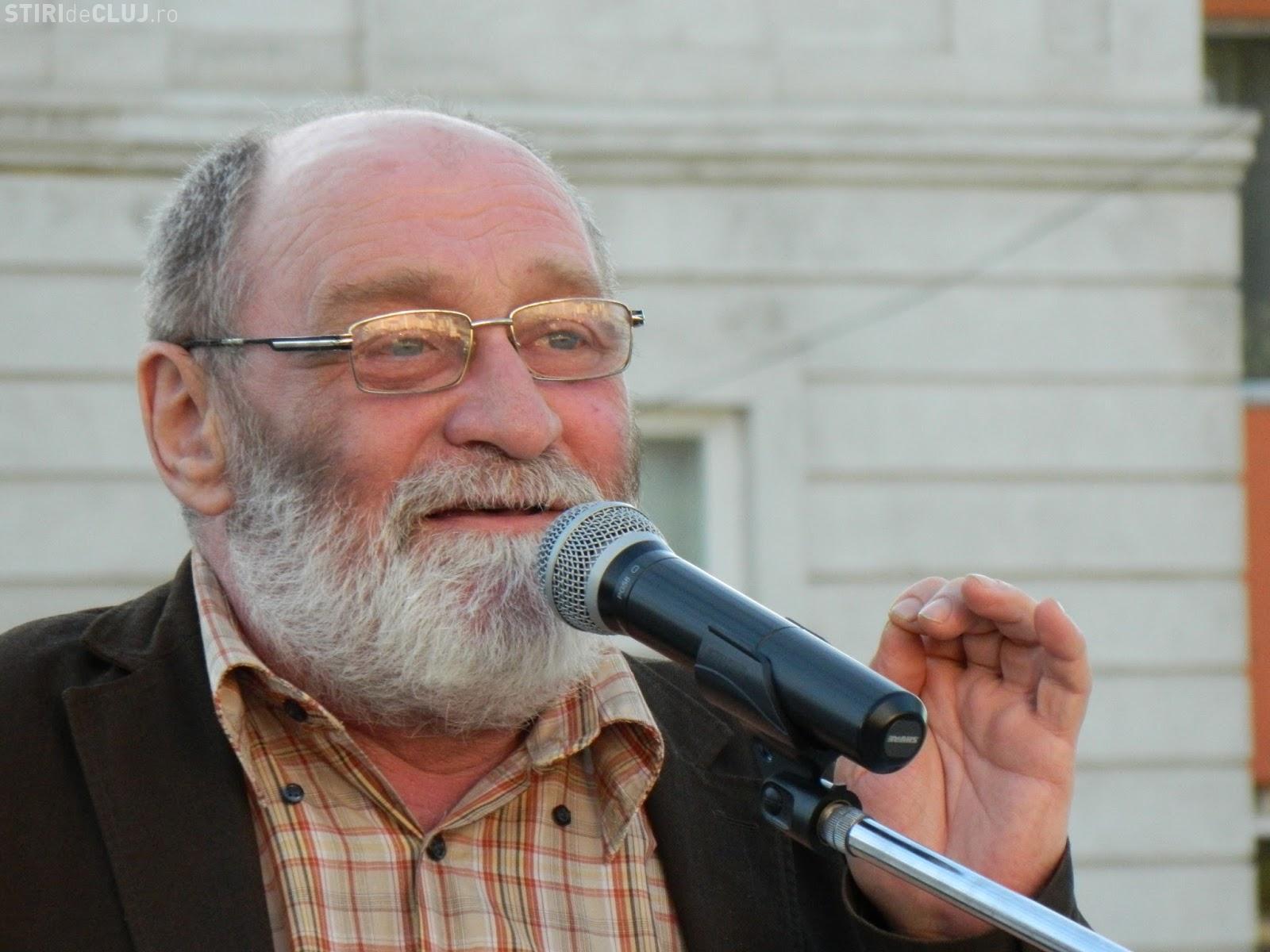 Poetul Ion Mureșan: A fi fumător, însă, e mai rău decât dacă ai avea râie