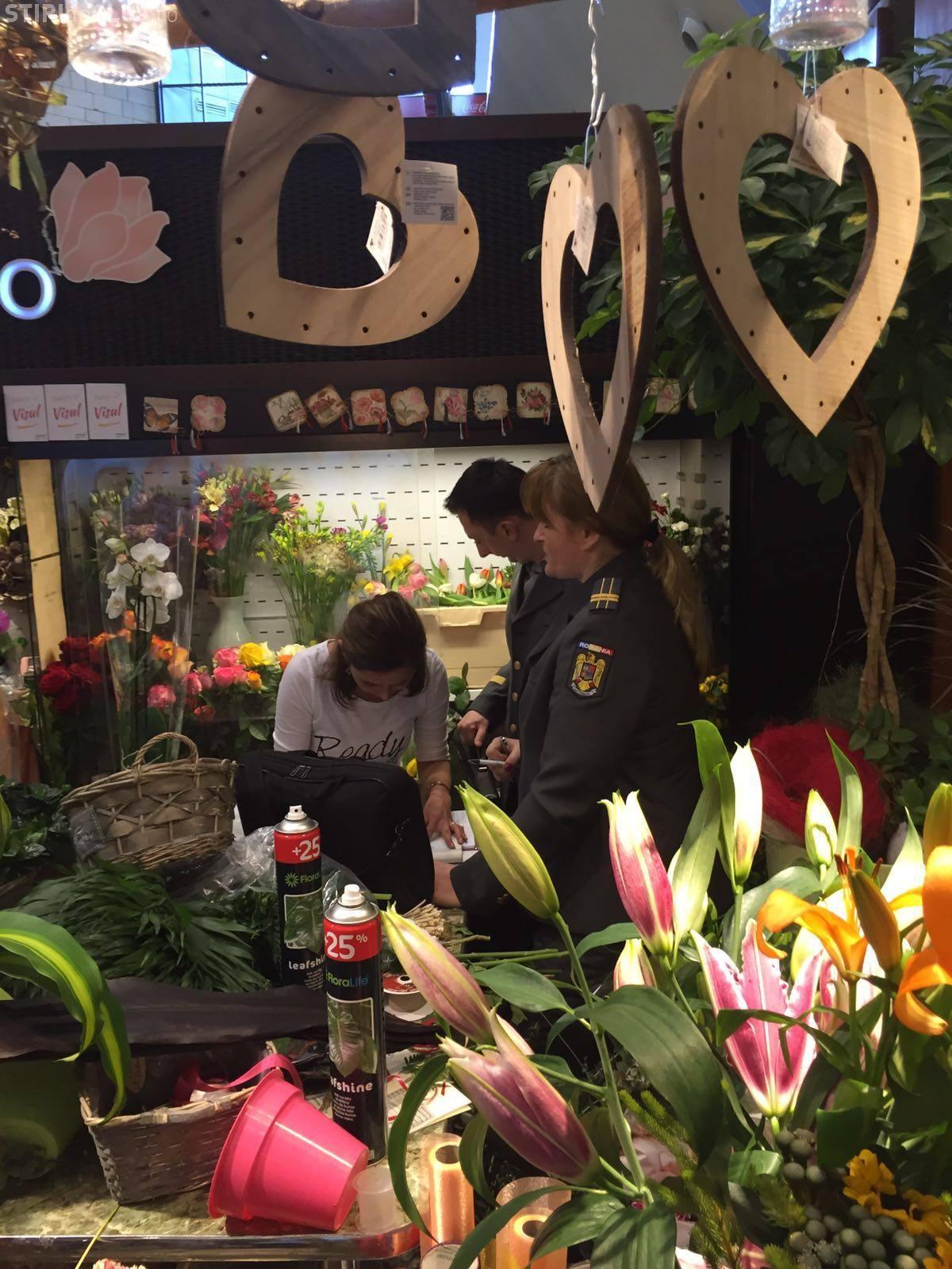 ANAF a descins la florării de 8 Martie. Cozi la Iulius Mall Cluj - FOTO