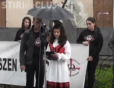 O filmare cu o adolescentă de etnie maghiară recitând o poezie face furori pe internet: Ardealul aparține Ungariei Mari VIDEO
