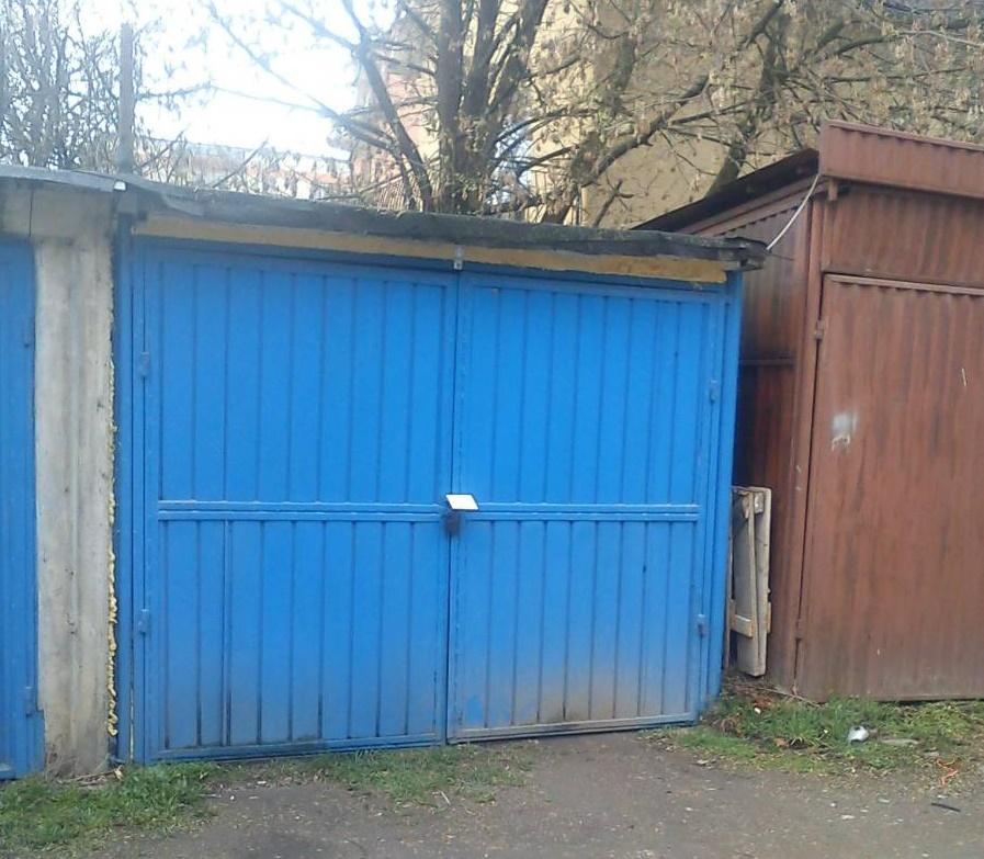 """Boc: """"Recomandarea este să nu mai faceți investiții în garaje"""". Pe piață un garaj costă mii de euro"""