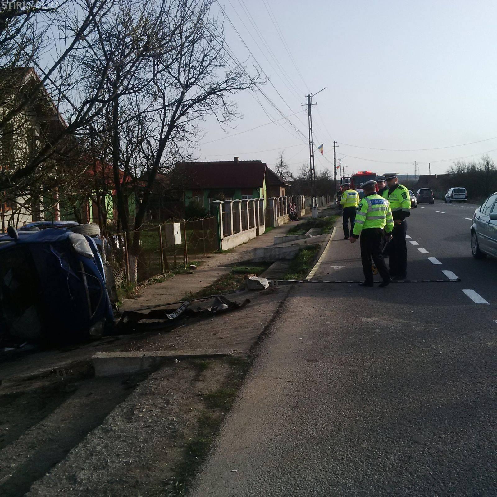 Accident grav la Cluj, în Fundătura! Un italian s-a răsturnat în curtea unor localnici - FOTO