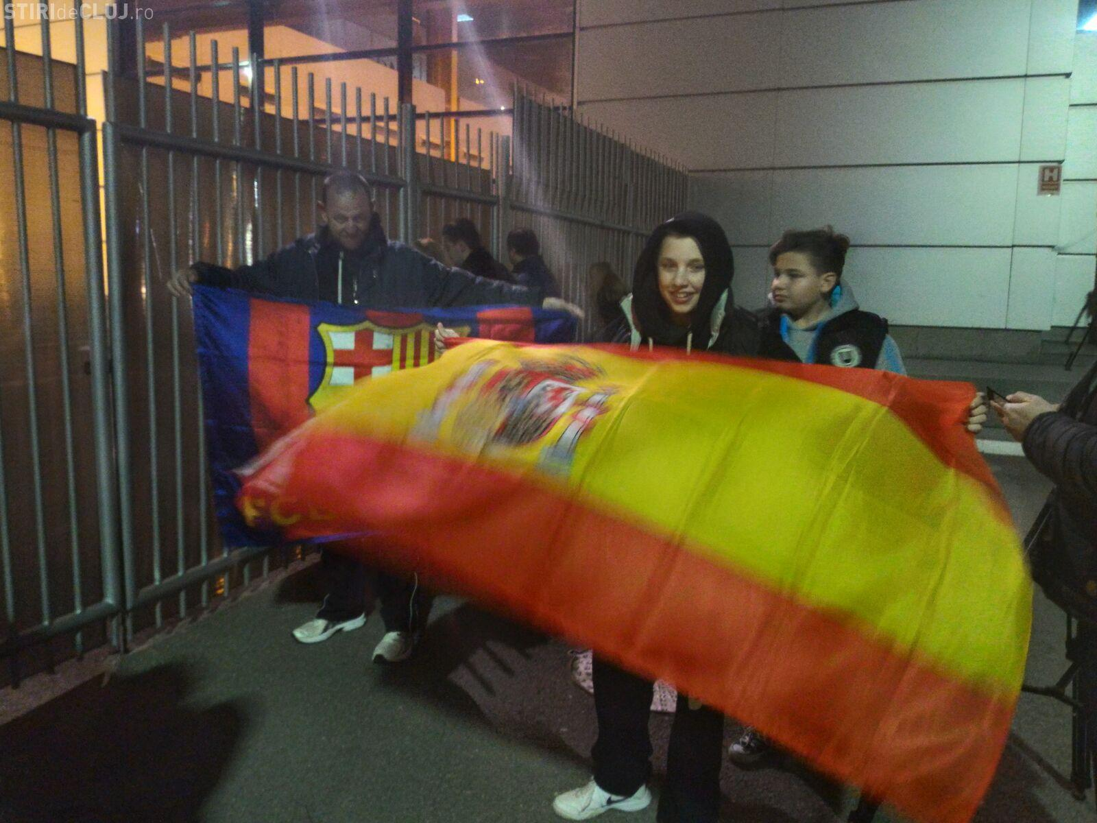 Nationala Spaniei a ajuns la Cluj-Napoca, vineri seară. Echipele antitero au ținut lumea la distanță - FOTO