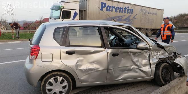 Accident cu o victimă pe un drum din Cluj. Un șofer neatent a fost lovit în plin de un TIR VIDEO