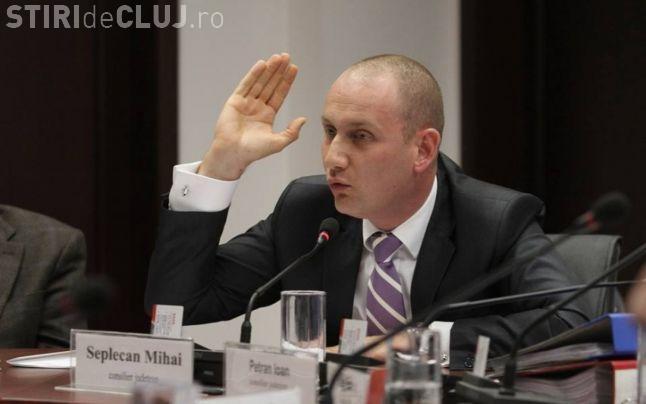 Mihai Seplecan rămâne și fără jobul de consilier județean. PNL cere prefectului să îi retragă mandatul