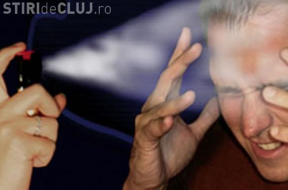 Tâlhar reținut de polițiștii clujeni! I-a dat cu spray paralizant în ochi unui bărbat, când a fost prins furând