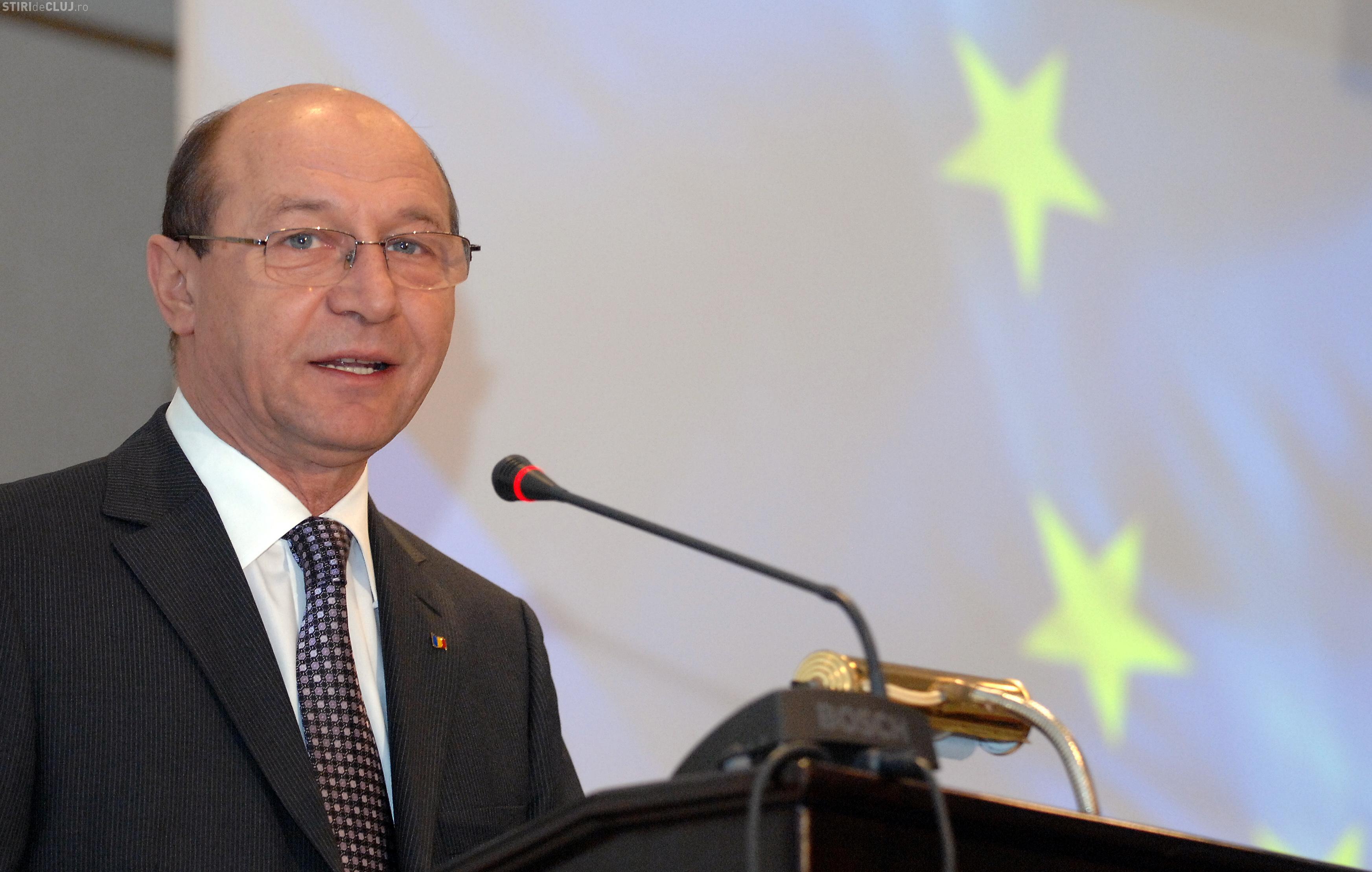 Romanii vor divorta la notar! Presedintele a promulgat Legea micii reforme in justitie