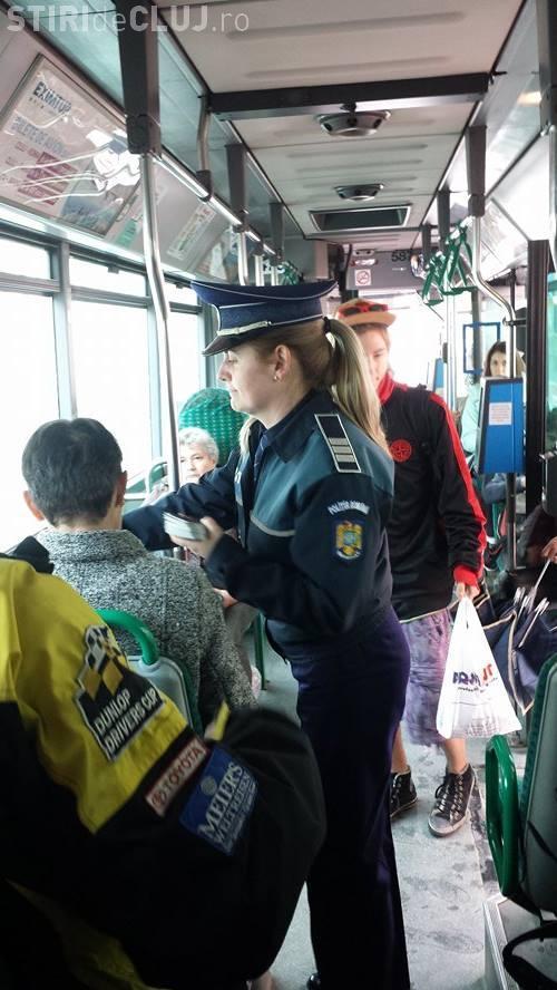 Acțiune de prevenire a furturilor, la Cluj. Ce recomandă polițiștii să faci pentru a nu fi furat în autobuz